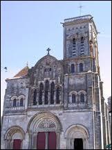 La basilique de Vézelay, d'où Richard Cœur de Lion est parti pour la troisième croisade, se trouve en Normandie. Vrai ou faux ?