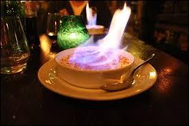 C'est vraiment très aimable et ... de la part des serveurs de nous avoir laissé la flamme sur la crème brûlée.