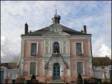 Nous terminons notre promenade en Ile-de-France, à Villeneuve-le-Comte. Nous nous situons dans le département ...