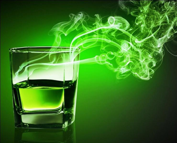 Cette boisson a été interdite pendant environ cent ans en France et en Europe. On disait « qu'elle rend fou et criminel, fait de l'homme une bête et menace l'avenir de notre temps ». Elle a été à nouveau autorisée au début du XXIe siècle.Quelle est cette boisson fortement alcoolisée ?