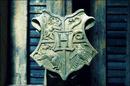 À quelle époque le collège Poudlard fut-il créé ?