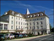 Pour finir, je vous emmène en Ile-de-France, à Vauréal. Ville de l'arrondissement de Pontoise, où vous pourrez voir le château de Claude Brasseur, elle se situe dans le département ...