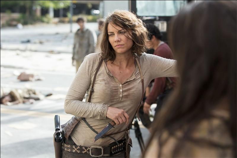 Qu'est-ce que Maggie décide de faire à la fin de l'épisode 1 ?