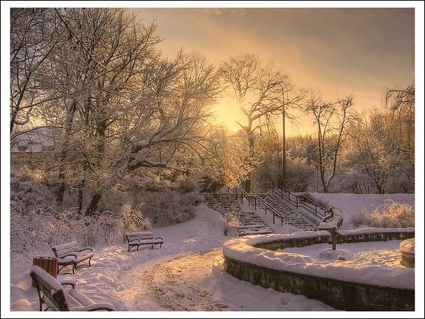 """Qui chantait """"Je marche vers le soleil dans les couleurs de l'hiver, de l'ombre et de la lumière..."""" ?"""