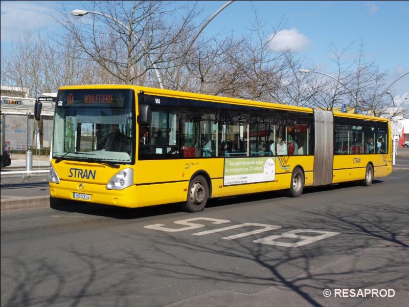 """Quand a été créé le réseau de bus de ville, devenu """"Stran"""" un peu plus tard ?"""