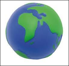 """Surnommée """"La planète bleue"""". C'est bien évidemment..."""