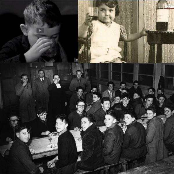 En 1956, une décision capitale a été décidée dans le monde des écoles. Paraît-il, et en partie à tort, cette décision aurait été prise pour soutenir l'ensemble d'une profession !Qu'est-il décidé ?