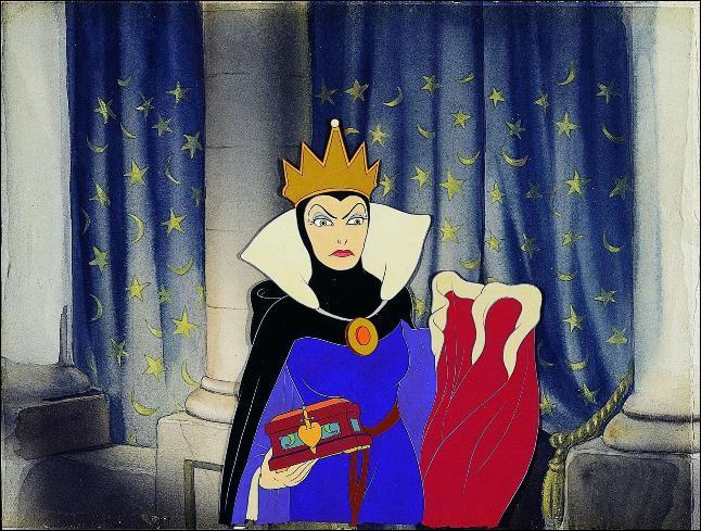 Chez Disney, la belle-mère de Blanche-Neige essaye de la tuer avec une pomme empoisonnée, que fait-elle dans le conte original ?