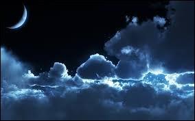 """Qui a chanté ces paroles : """"Il m'entraîne au bout de la nuit, les démons de minuit..."""" ?"""