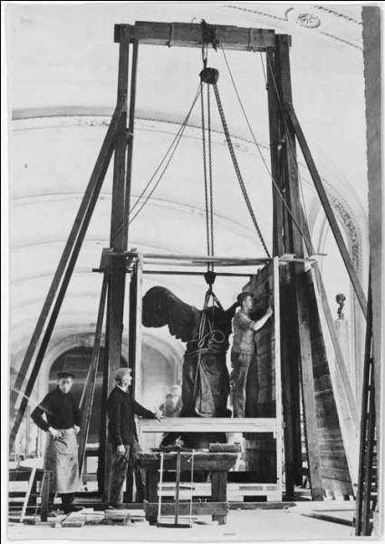 1940 : Franz Wolff-Metternich, envoyé par le régime nazi, se précipite au Louvre. Que trouve-t-il dans les galeries ?