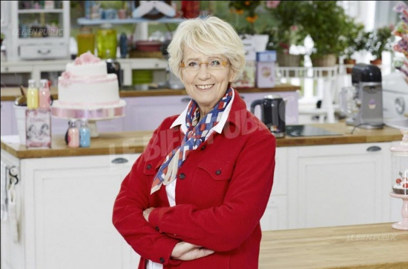 Qui est cette femme, jurée d'un concours de pâtisserie diffusé actuellement ?