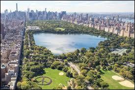 Dans quel quartier de la ville de New York se trouve Central Park ?