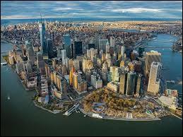 Combien y a-t-il environ d'habitants à New York ?