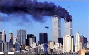 Quel est le nom des deux tours qui se sont effondrées suite à une attaque terroriste le 11 septembre 2001 ?