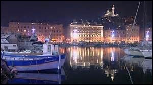 Quel port peut-on reconnaître sur ce cliché de nuit ?