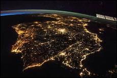Quel péninsule peut-on reconnaître sur ce cliché de nuit ?