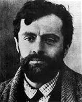Amedeo Modigliani voit le jour à Livourne (Italie), le 12 juillet 1884. Peintre d'art figuratif et moderne de l'École de Paris, également sculpteur, perdu dans l'alcool, il meurt prématurément d'une méningite tuberculeuse, le 24 janvier 1920, et est inhumé dans la division n°96. De ces trois tableaux, lequel est de cet artiste ?