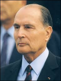 Quel ancien président de la République française meurt le 8 janvier 1996 ?