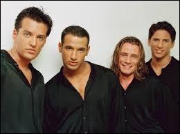 "Quel boys band français a chanté ""Baïla"" en 1996 ?"