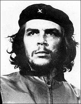"""Ce petit révolutionnaire au beau béret nommé Ernesto Rafael Guevara (1928-1967) plus connu sous le nom du """"Che"""" est :"""