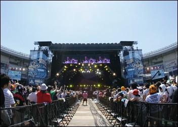 Au Japon, il existe différents festivals de renommée mondiale. Parmi les propositions suivantes, laquel est le nom d'un festival de rock ?