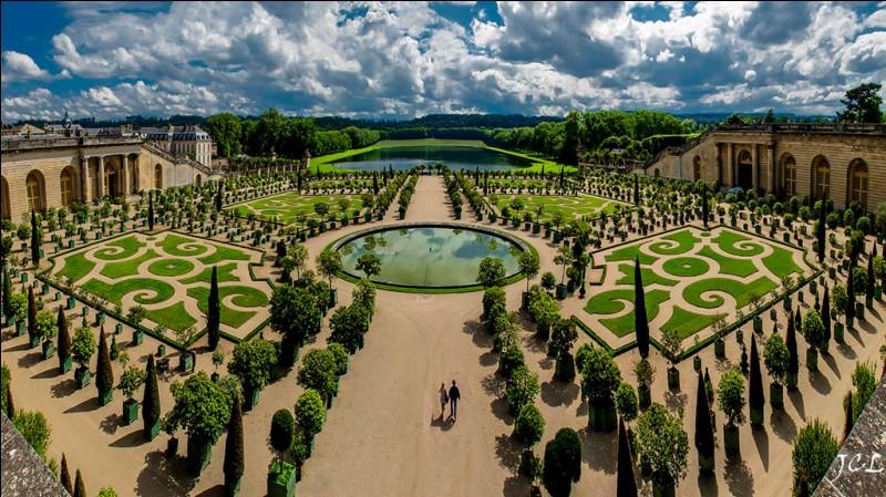 Quel est le style de jardin que l'on trouve au Château de Versailles ?