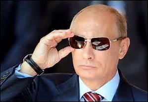 """Certes, ce n'est pas l'un des plus grands dictateurs de l'Histoire mais on dit """"qu'il en est un quand même"""", il se nomme..."""