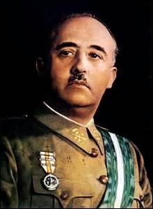 Dictateur de l'Espagne de 1939 à 1975, comment se nomme-t-il ?