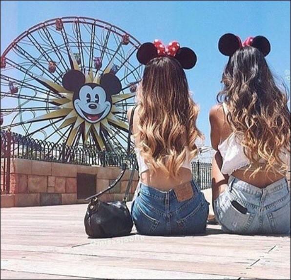 Ton ami t'invite à Disney Land mais tes parents refusent que tu y ailles ...