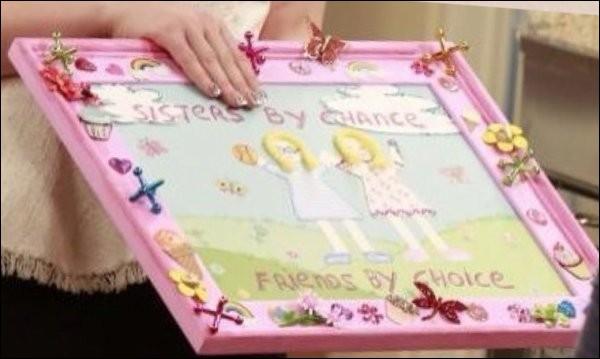 Qu'ont dit Liv et Maddie en revoyant le tableau qu'elles avaient fait quand elles étaient petites ?
