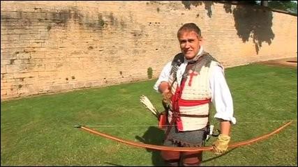 En Europe, le temps passe, et l'arc est de plus en plus utilisé pour la chasse et la guerre, lors des batailles de Crécy ou d'Azincourt, un arc va faire des ravages, l'arc anglais ou ...
