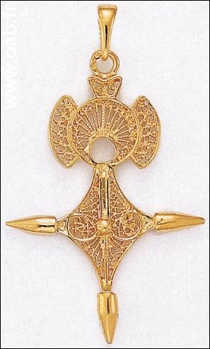 Ce bijou comportant une croix nous vient du Sahara, de certains Touaregs, mais aussi des Peuls. Comment la nomme-t-on ?