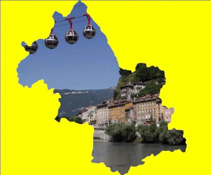 À l'époque gallo-romaine, ce gros bourg gaulois portait le nom de Cularo, puis celui de Gratianopolis ... .