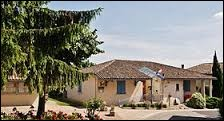 Village midi-pyrénéen à la confluence du Tarn et de la Garonne, Boudou se situe dans le département ...
