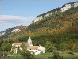 Petit village Drômois de 66 habitants, Léoncel se situe dans l'ancienne région ...