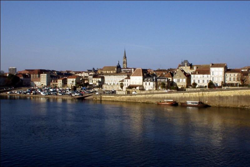 De quel département la ville de Bergerac est-elle une sous-préfecture ?