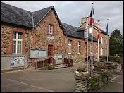 Cette balade commence aujourd'hui en Normandie, à Carantilly. Commune de l'arrondissement de Saint-Lô, il se situe dans le département ...