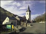Le village aquitain de Louvie-Soubiron se trouve dans le département ...