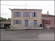 Petit village de 75 habitants, dans l'arrondissement de Verdun, Vadelaincourt se situe dans le département ...