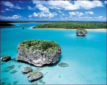 """Géographie - Quel archipel est parfois dénommé """"Le Caillou"""" ?"""