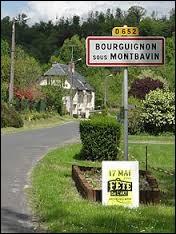 Nous sommes à l'entrée de Bourguignon-sous-Montbavin. Commune Axonaise, elle se trouve dans l'ancienne région ...