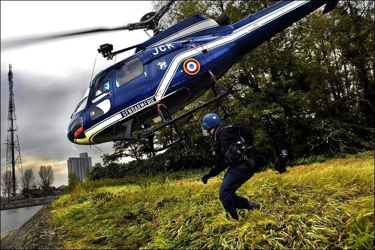 Par qui le mot « hélicoptère » a-t-il été inventé ?