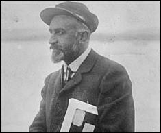 Quels noms portaient les vaisseaux successifs de Jean-Baptiste Charcot l'explorateur et océanographe français ?