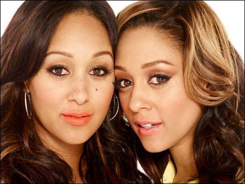 """Quels sont les prénoms des sœurs Mowry, actrices américaines que l'on a pu voir notamment dans la série """"Sister, Sister"""" de 1994 à 1999 ?"""