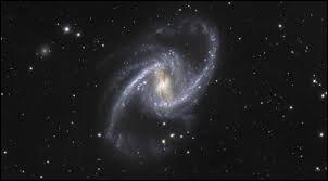 Dans quel ouvrage de l'Antiquité se trouve consignée la somme des connaissances en astronomie ?
