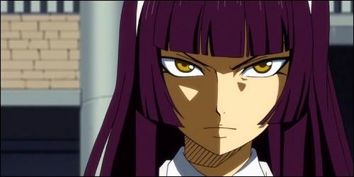 De qui Kagura Mikazuchi est-elle la petite sœur ?