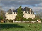 Nous partons visiter le château de l'Espie, à Clérac. Village Charentais-Maritime, en Haute-Saintonge, il se situe dans la nouvelle région ...