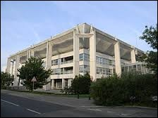 Ville rhônalpine de la métropole Lyonnaise, Meyzieu se situe dans le département ...