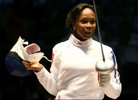 Escrimeuse française médaillée d'or aux J.O. en 1996 . Qui est-elle ?