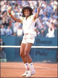 Tennisman français vainqueur de Roland-Garros . Qui est-il ?